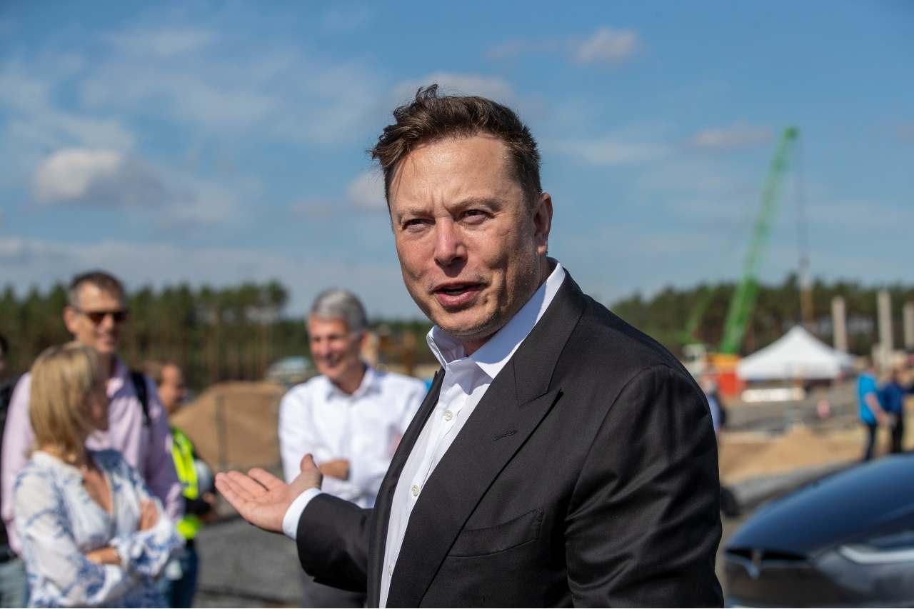 Elon Musk vuole portare 1 milione di persone su Marte