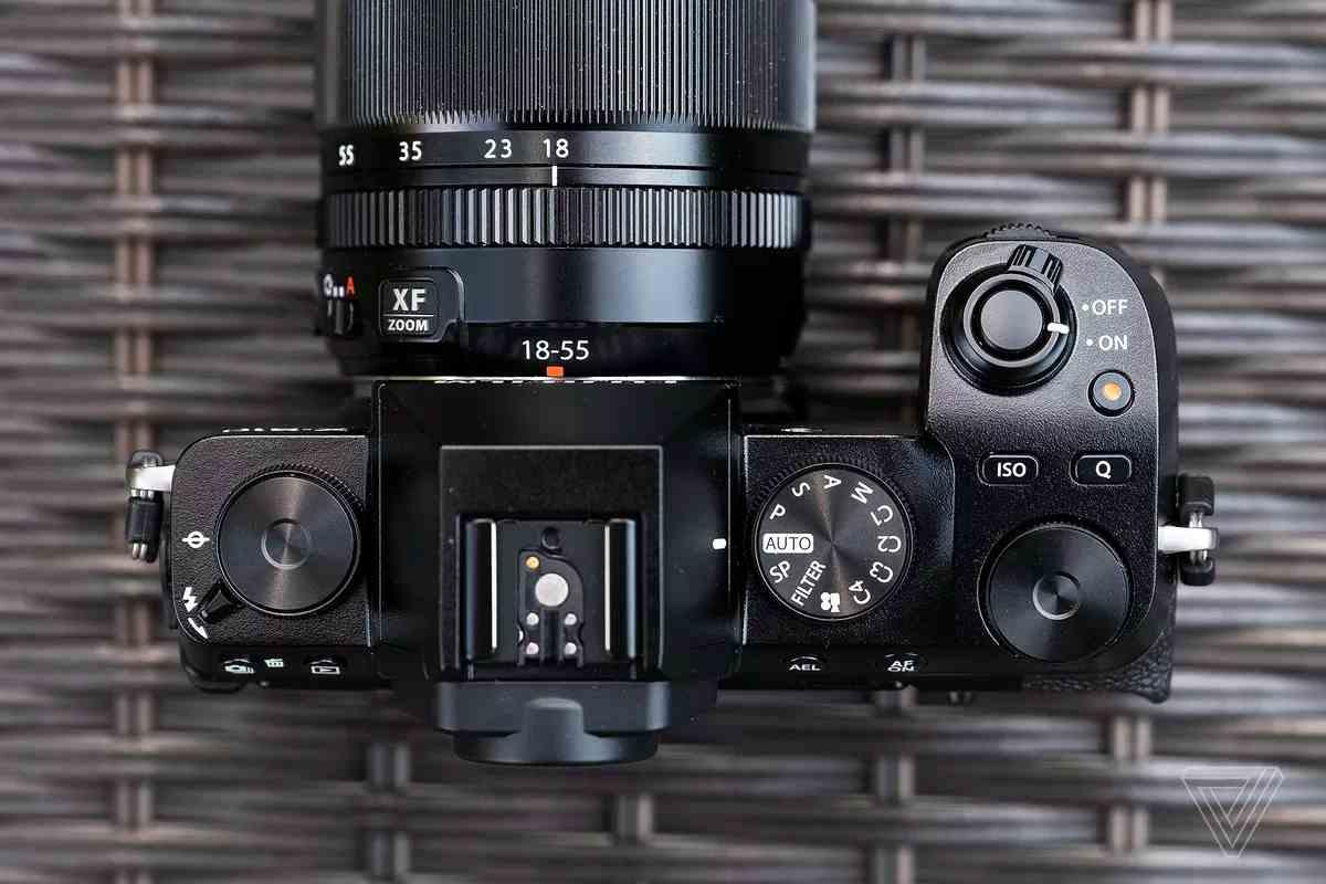Fujifilm X-S10 (DP Review)