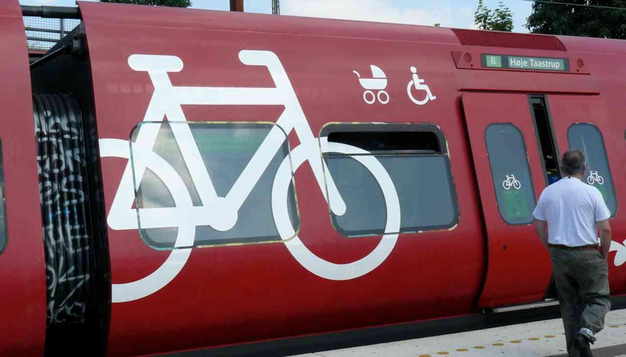 Trasporto bici a bordo treno