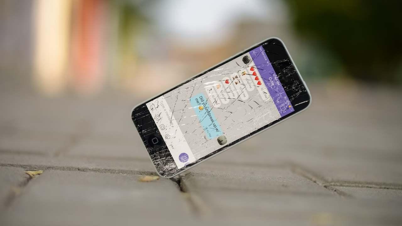Caduta di uno smartphone