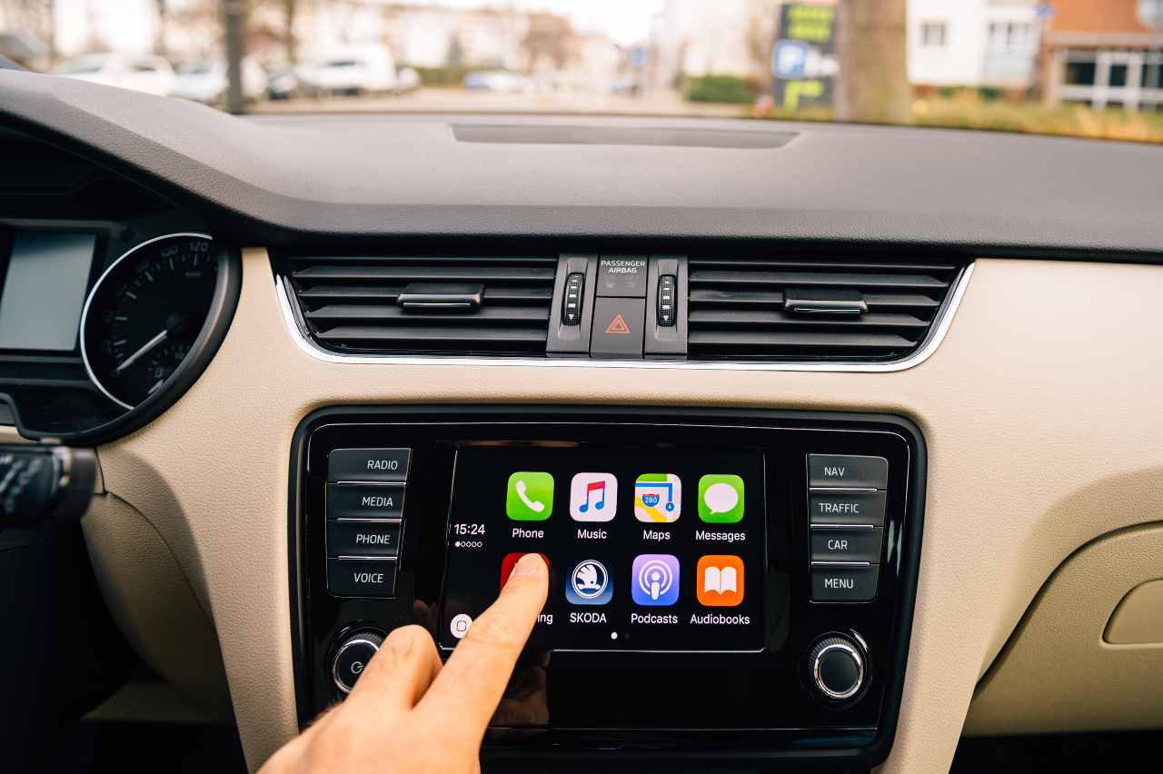 Apple Car (Adobe Stock)