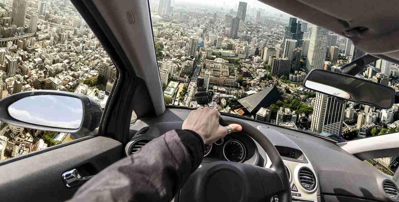 Auto volante (Adobe Stock)