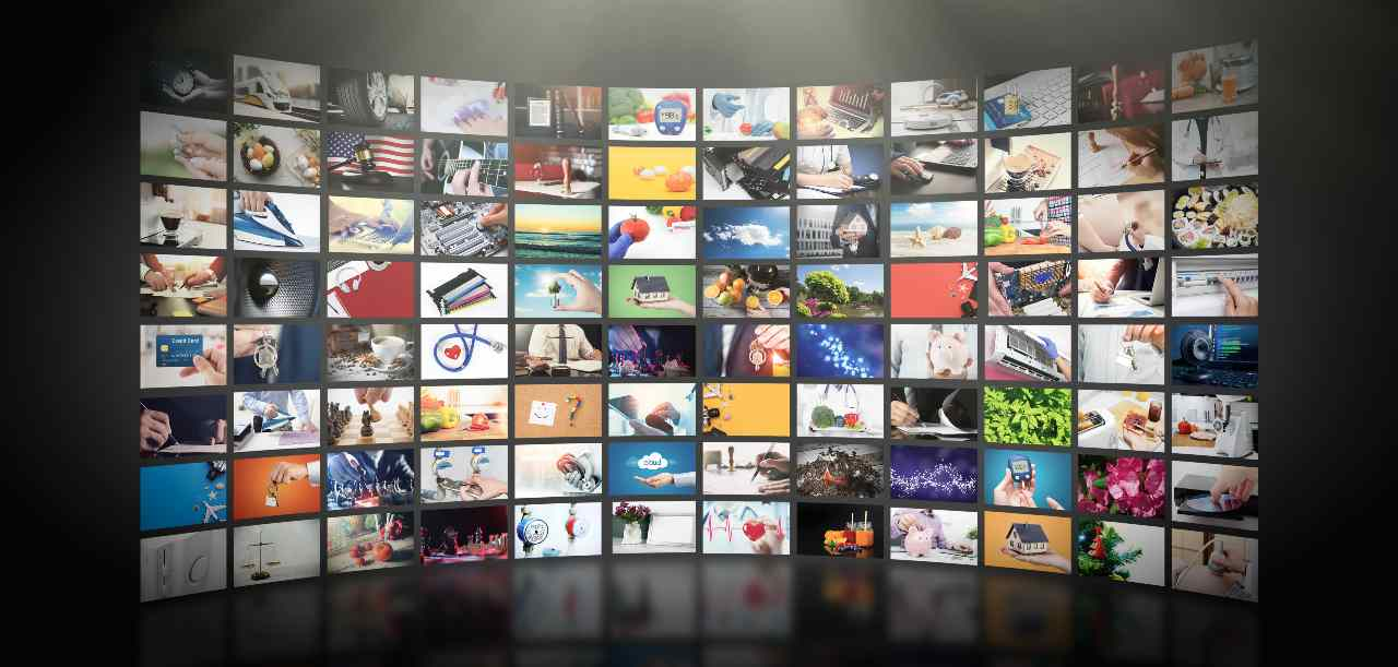 Bollino tivùon, uno dei tanti servizi del nuovo Digitale Terrestre (Adobe Stock)