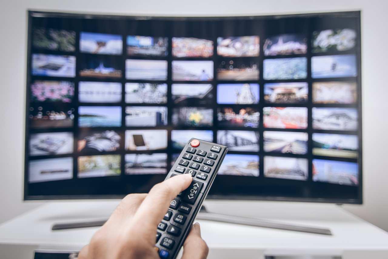 Canali televisivi (Adobe Stock)