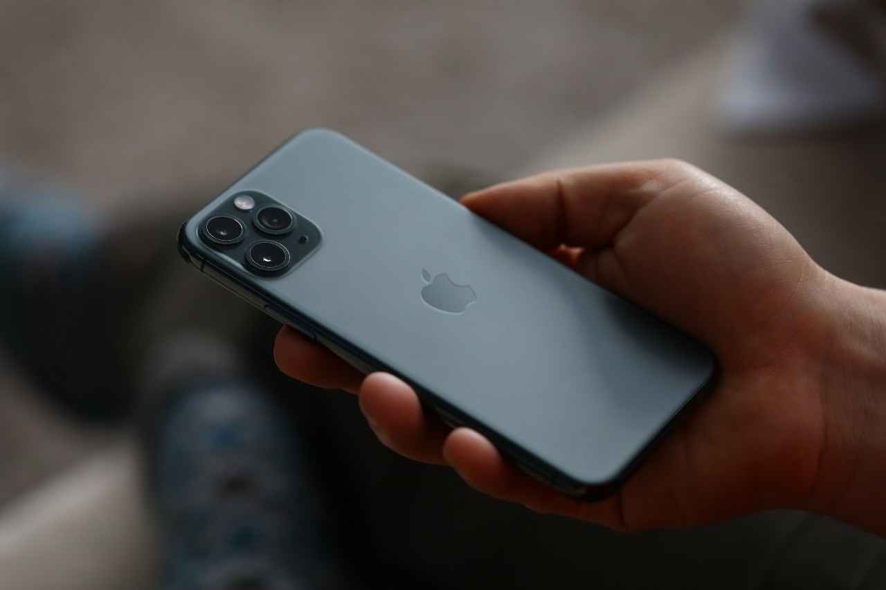 iPhone 12 mini (Adobe Stock)