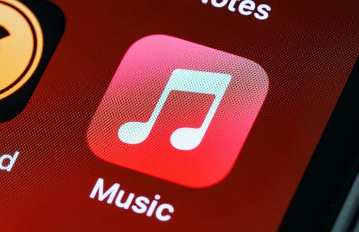 Apple multa Music small