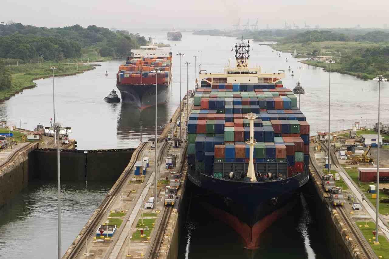 Canale di Suez (Adobe Stock