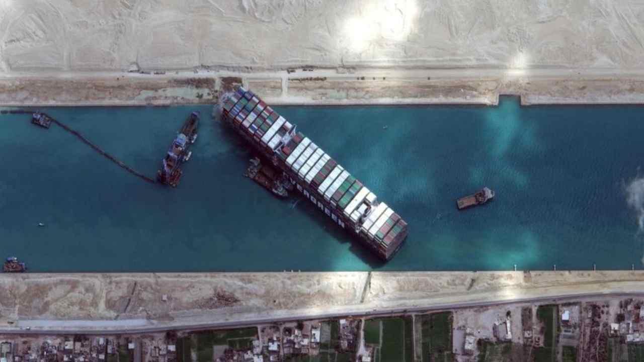 Blocco canale di Suez