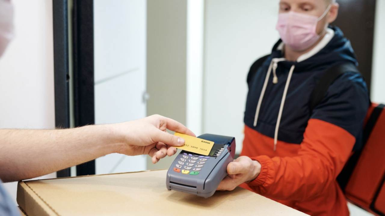 Pagare con carta