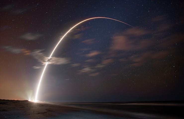 Space X, il Falcon 9 lanciato in orbita