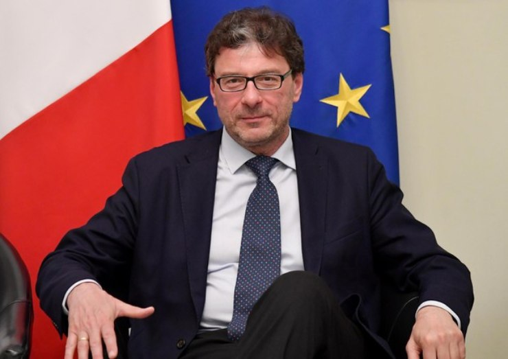 Giancarlo Giorgetti e il bonus tv (Foto Ansa)