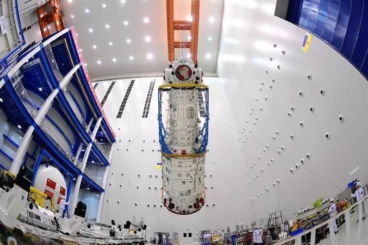 La Cina vola nello spazio