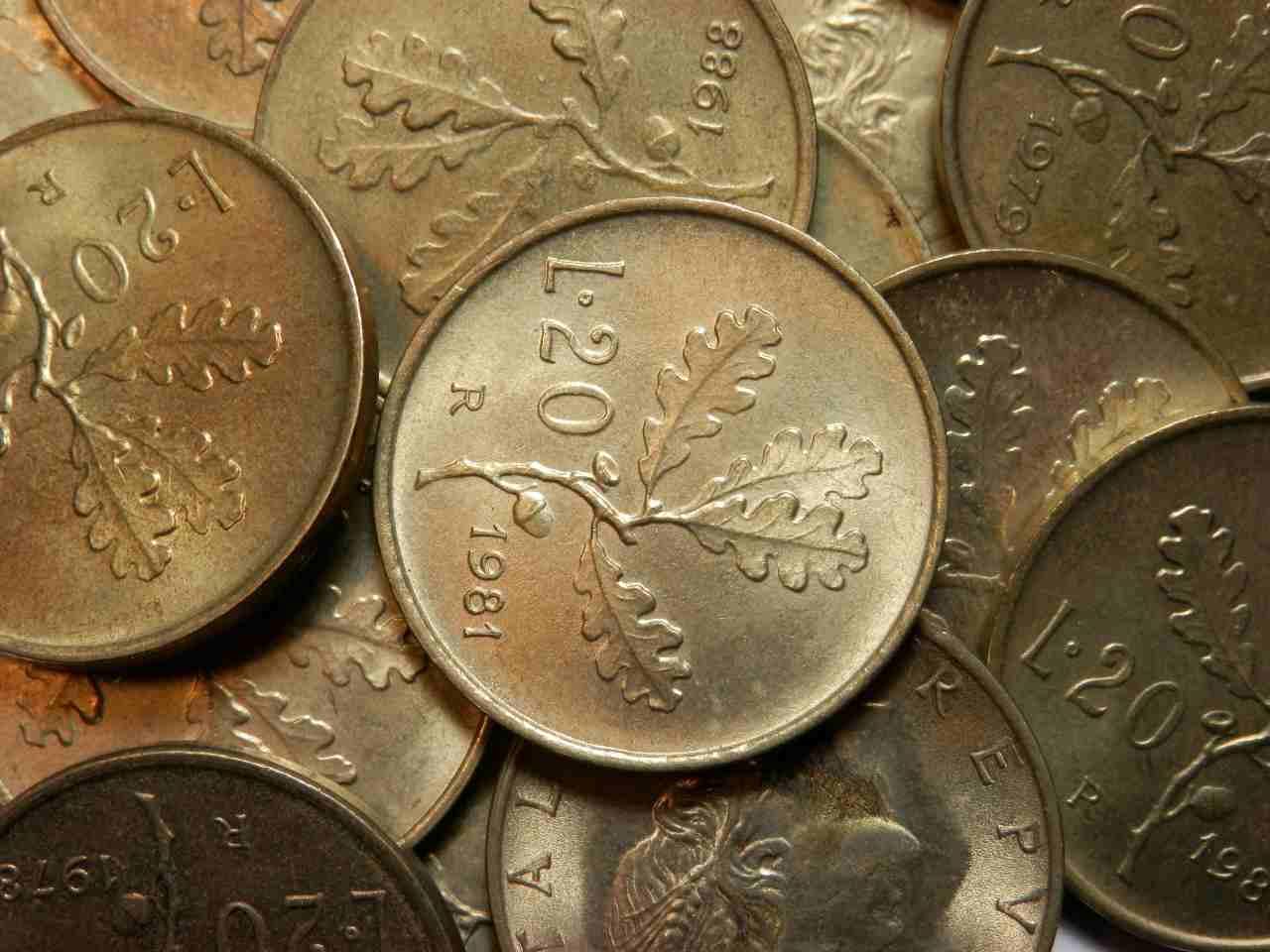 Monete da 20 lire (Adobe Stock)