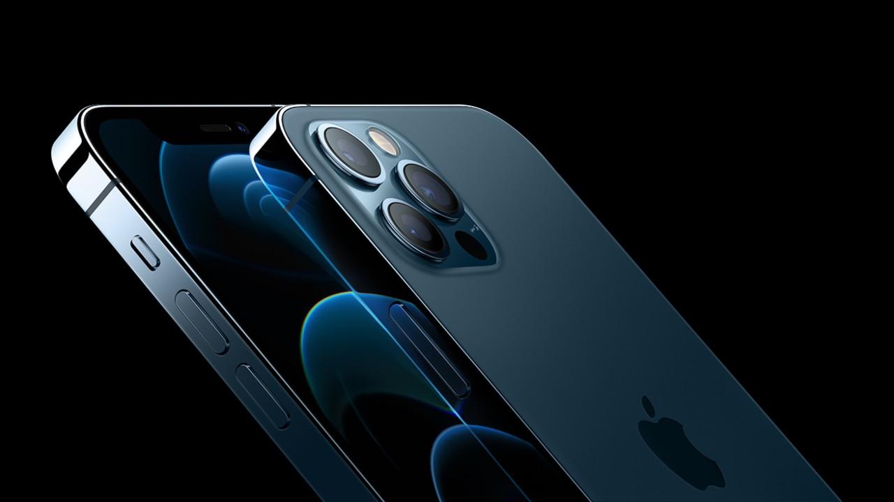 iPhone 12 vs Samsung Galaxy S21 (Foto Apple)