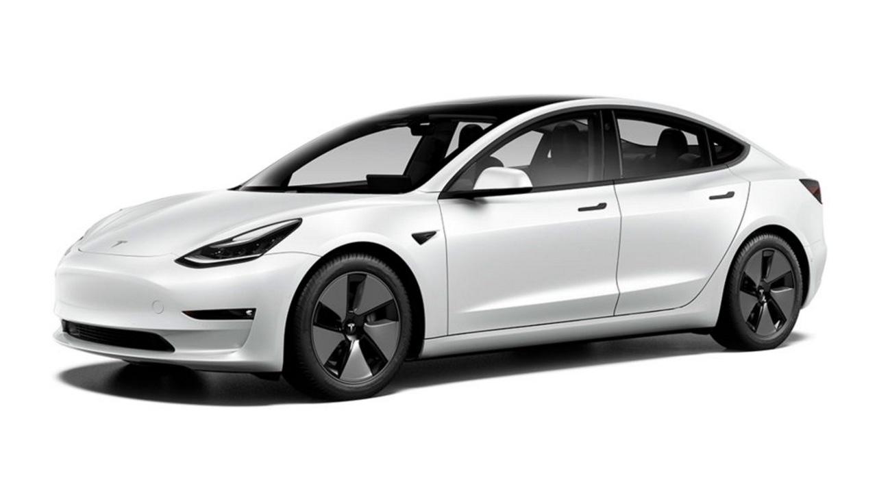 Tesla vola nella vendite