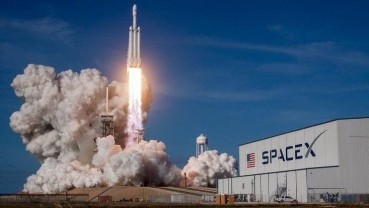 Nasa e SpaceX insieme sulla Luna (Foto Repubblica)