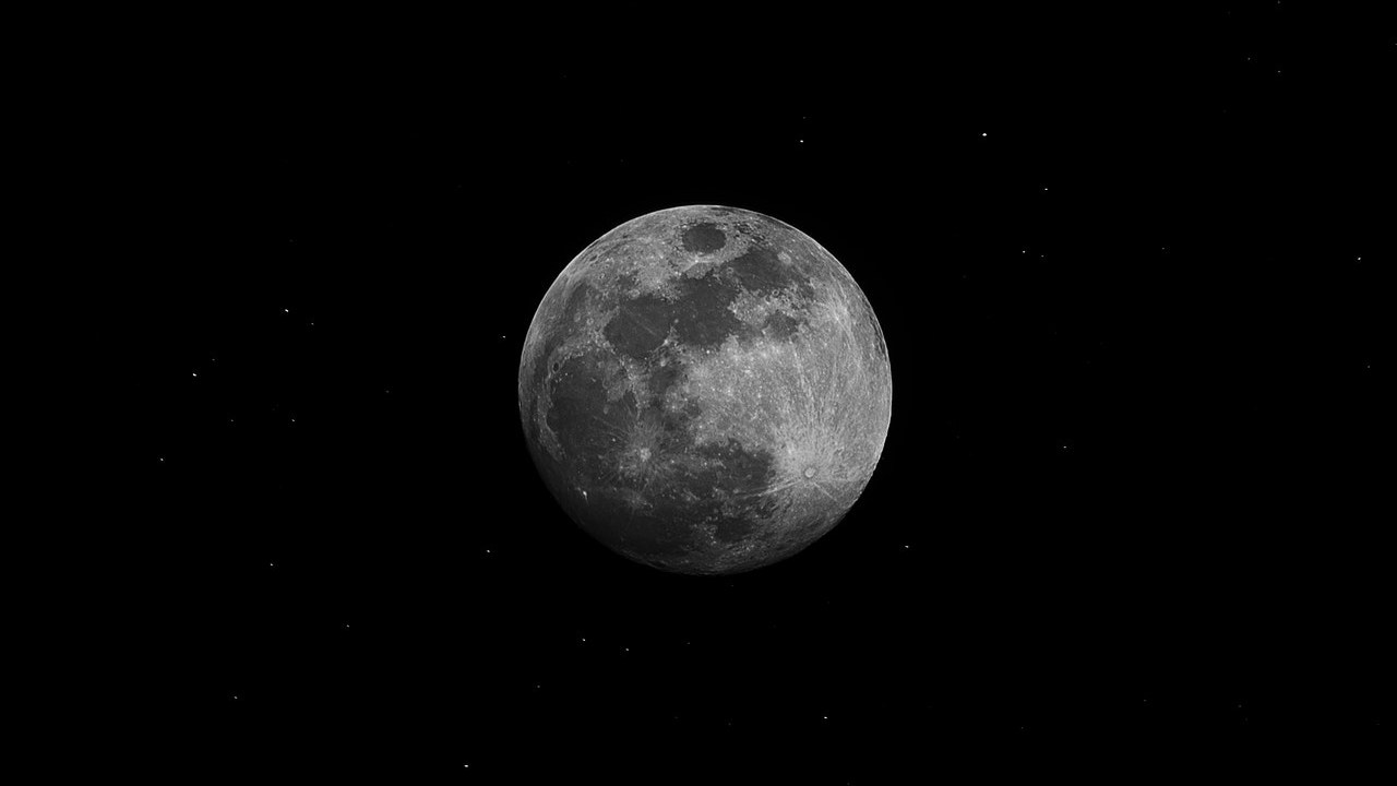 Satellite lunare