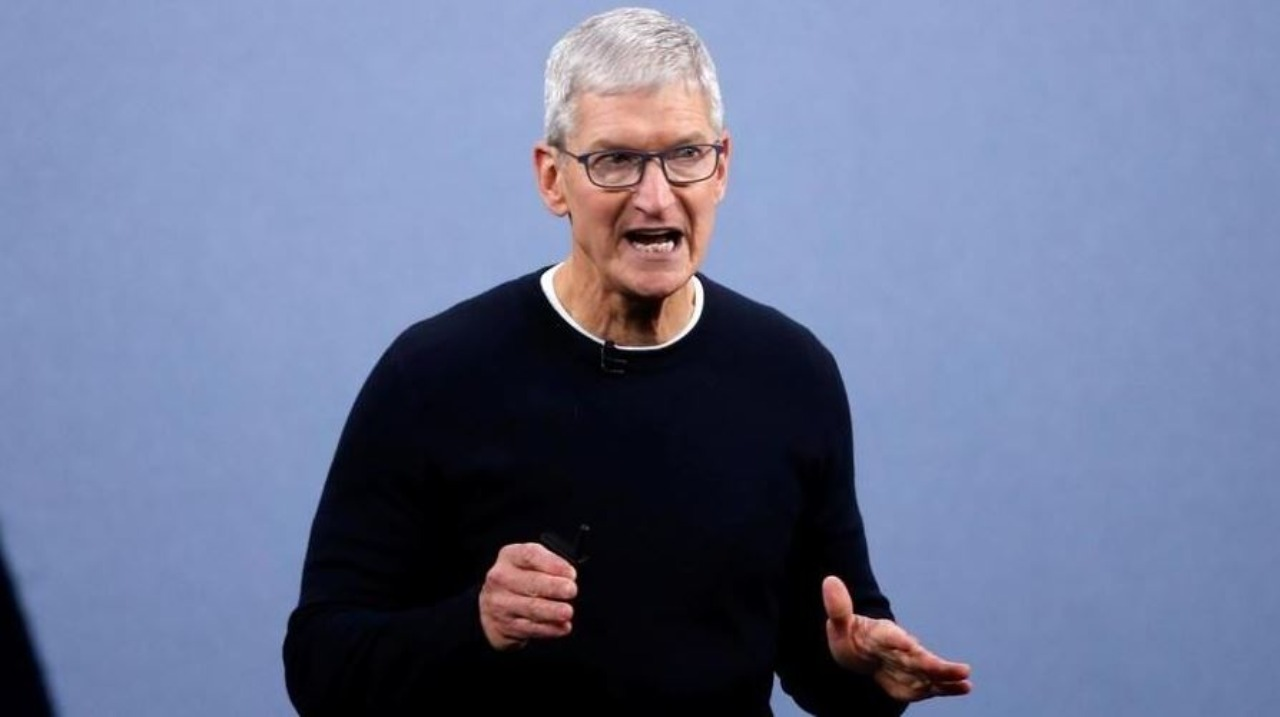 Apple dichiara guerra a Facebook (Foto La Stampa)