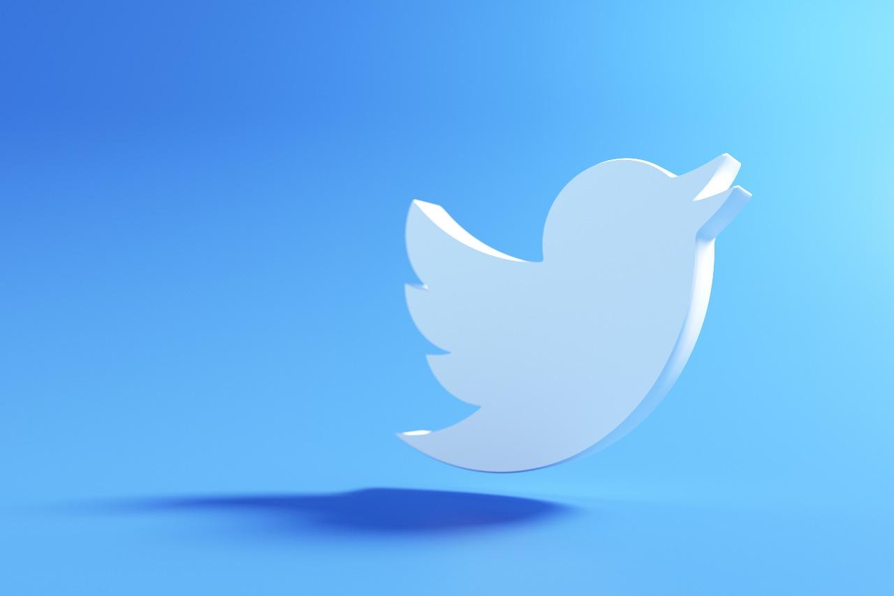 Twitter Blue (Adobe Stock)