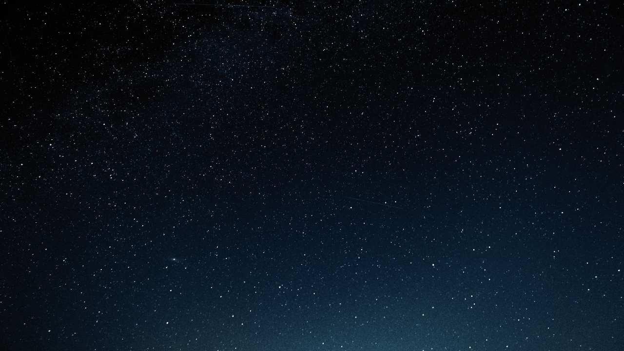 La spazzatura spaziale e l'inquinamento della luce (Adobe Stock)
