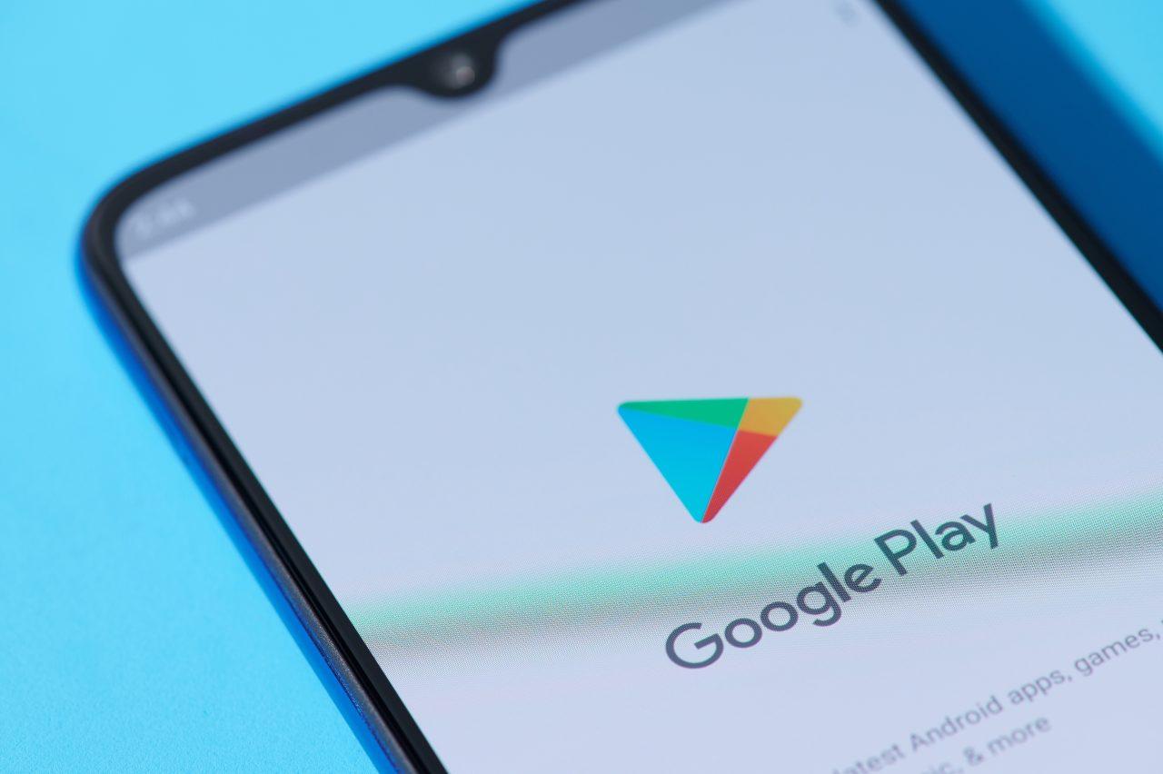 Google Play, nuove etichette in arrivo (Adobe Stock)