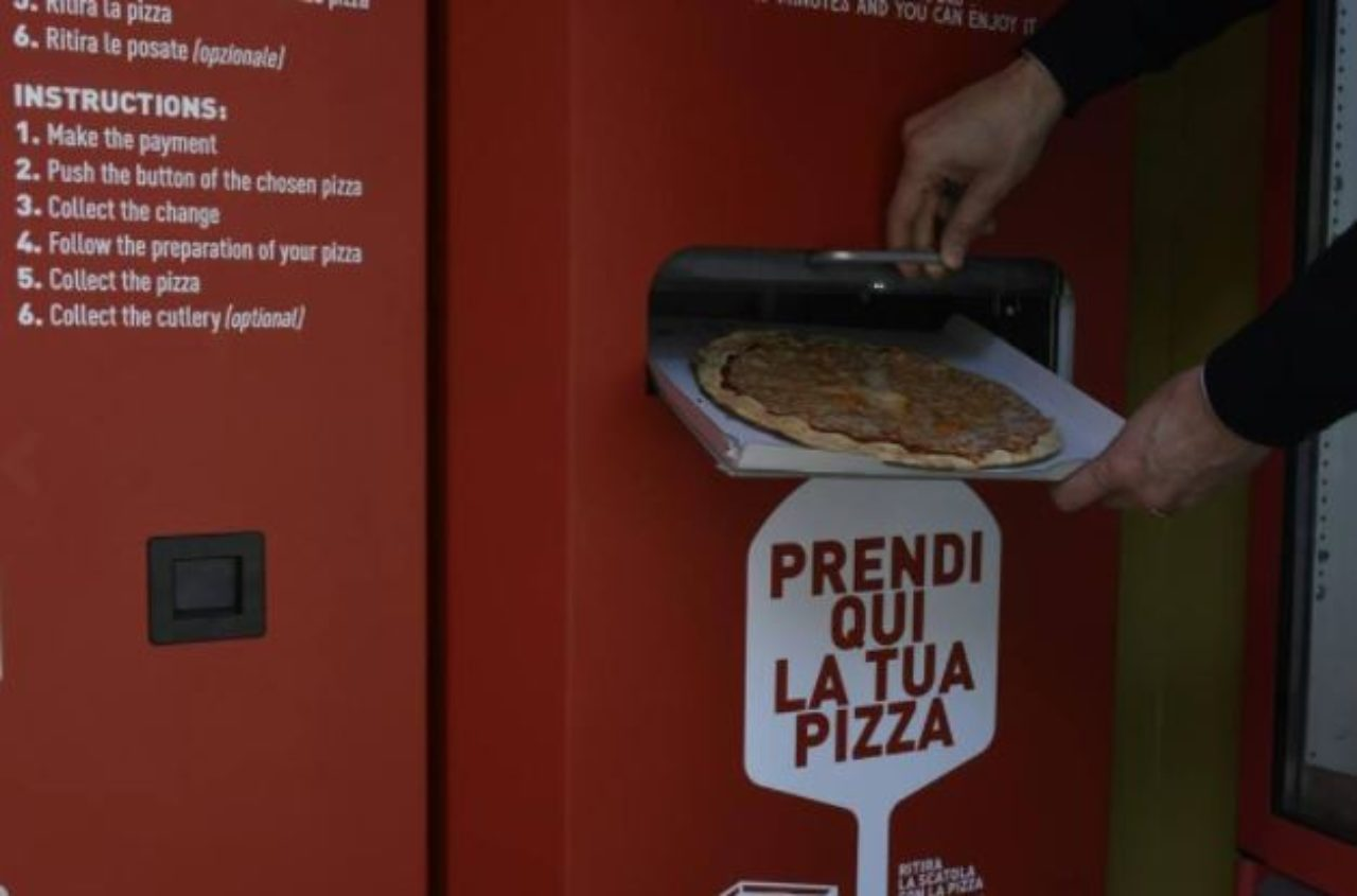 Pizza automatica a Roma (Foto Corriere.it)