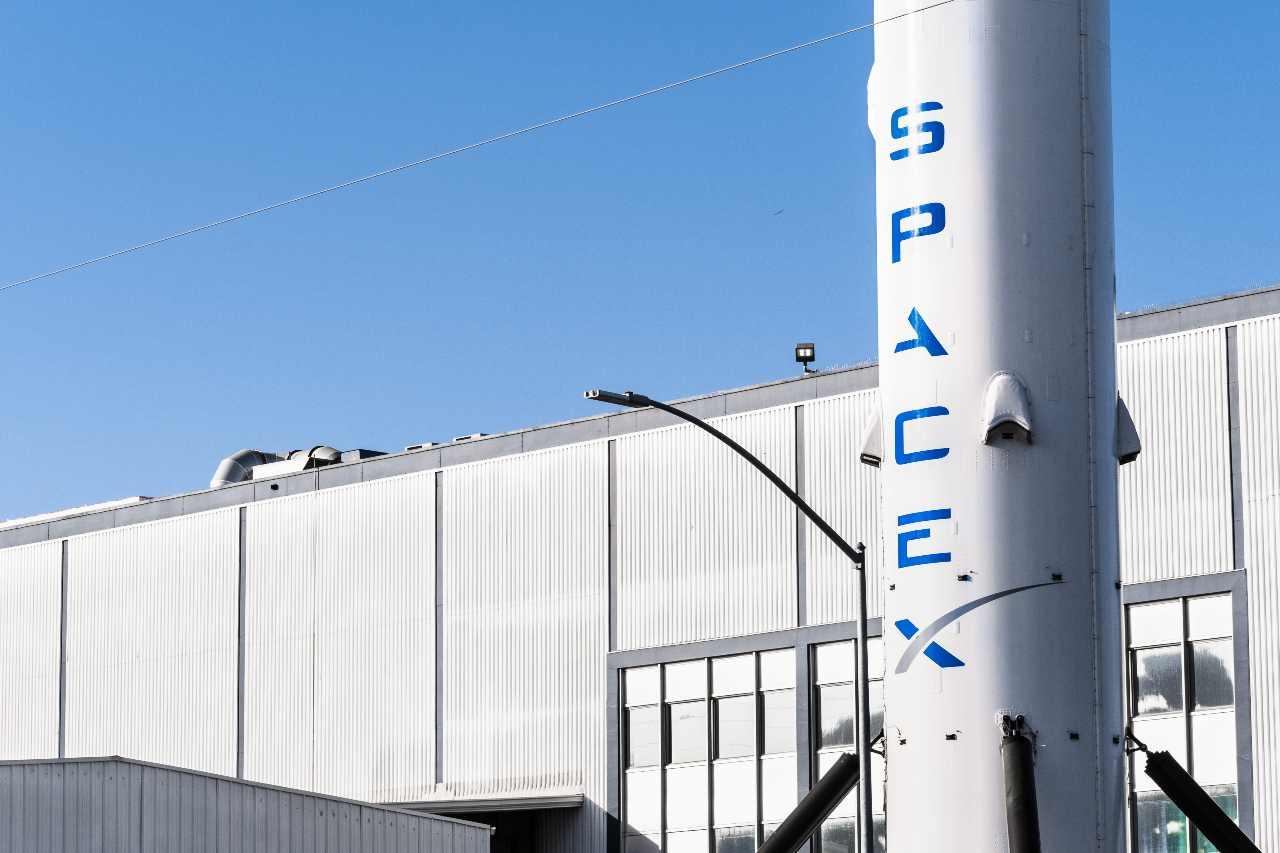 SpaceX, 4 privati cittadini per un volo spaziale (Adobe Stock)