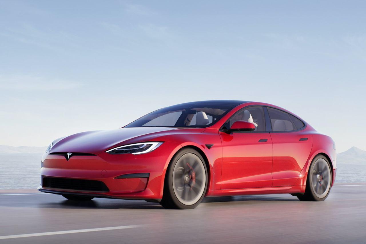 Tesla hackerata (Foto Alvolante)
