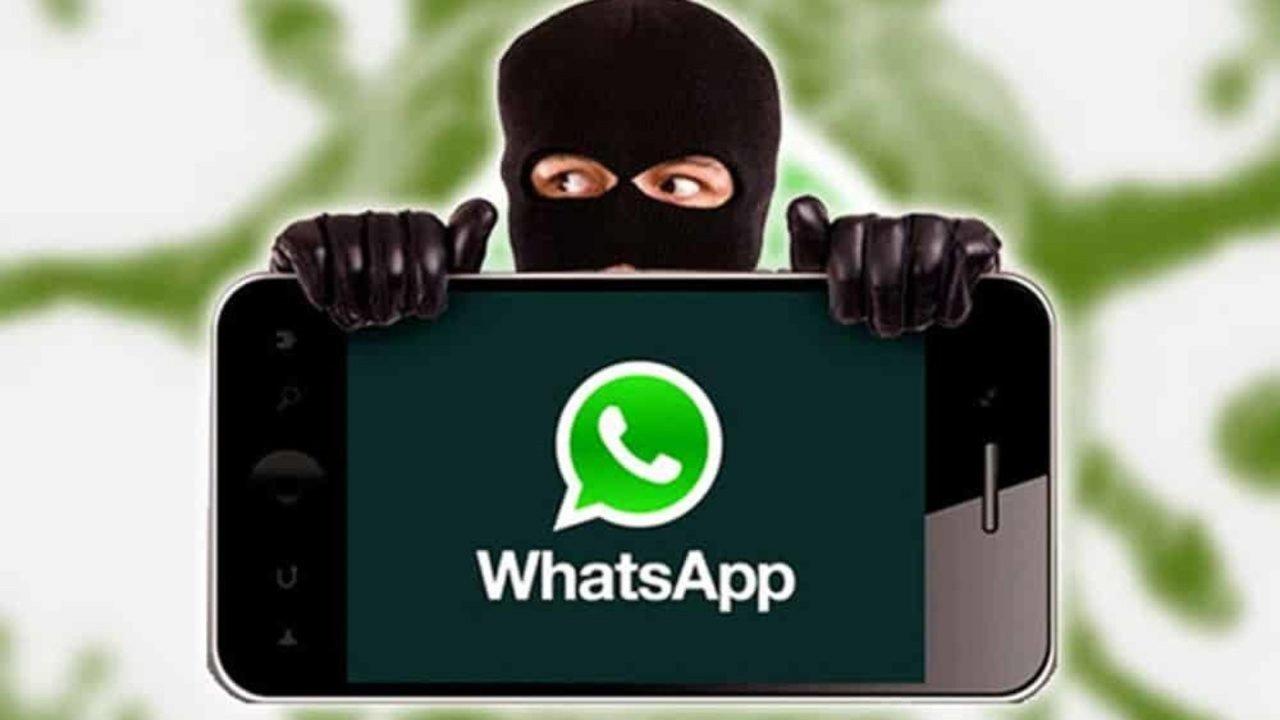 Nuova truffa WhatsApp (Foto Udicon)