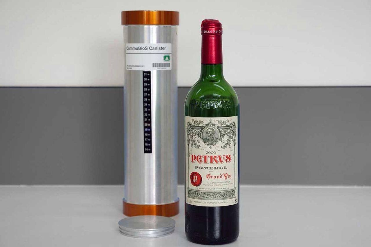 Vino rosso invecchiato nello spazio (Foto Sommelierlife)