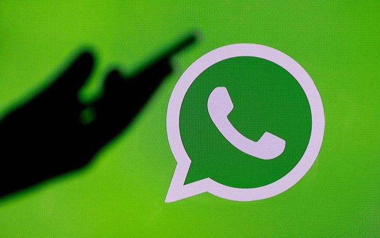 WhatsApp e il tasto revisione (Foto Skytg24)