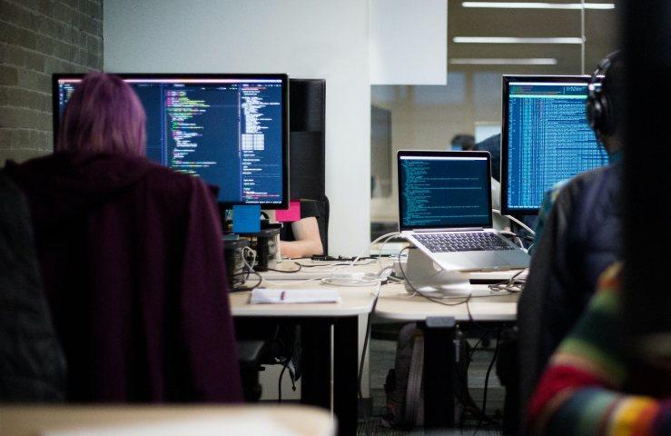 Allarme password Hacker a lavoro