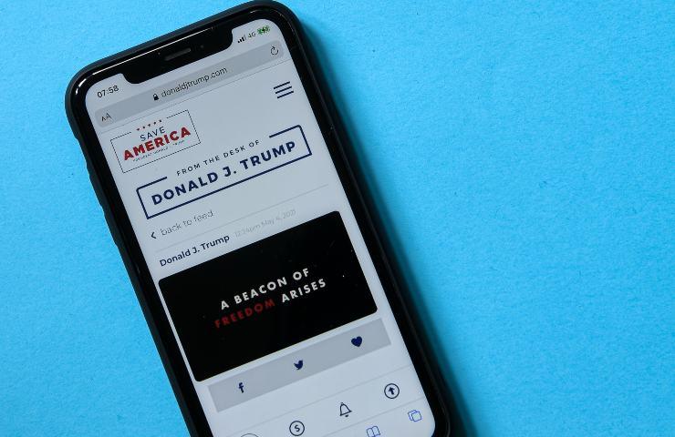 Trump La versione mobile di From the desk of Donald Trump