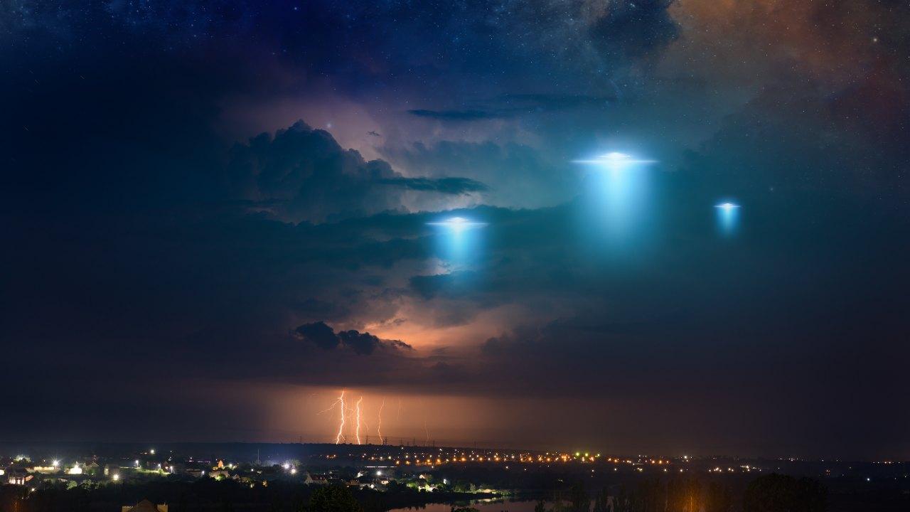 UFO, il report del Pentagono delude (Adobe Stock)
