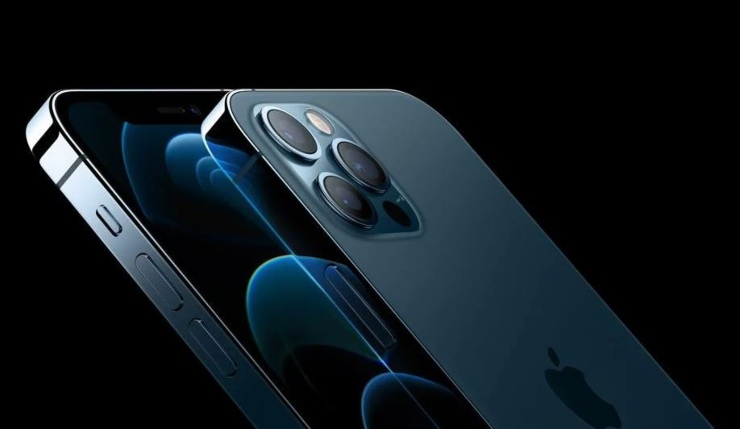 """iPhone 12 """"causa"""" problemi al cuore?"""