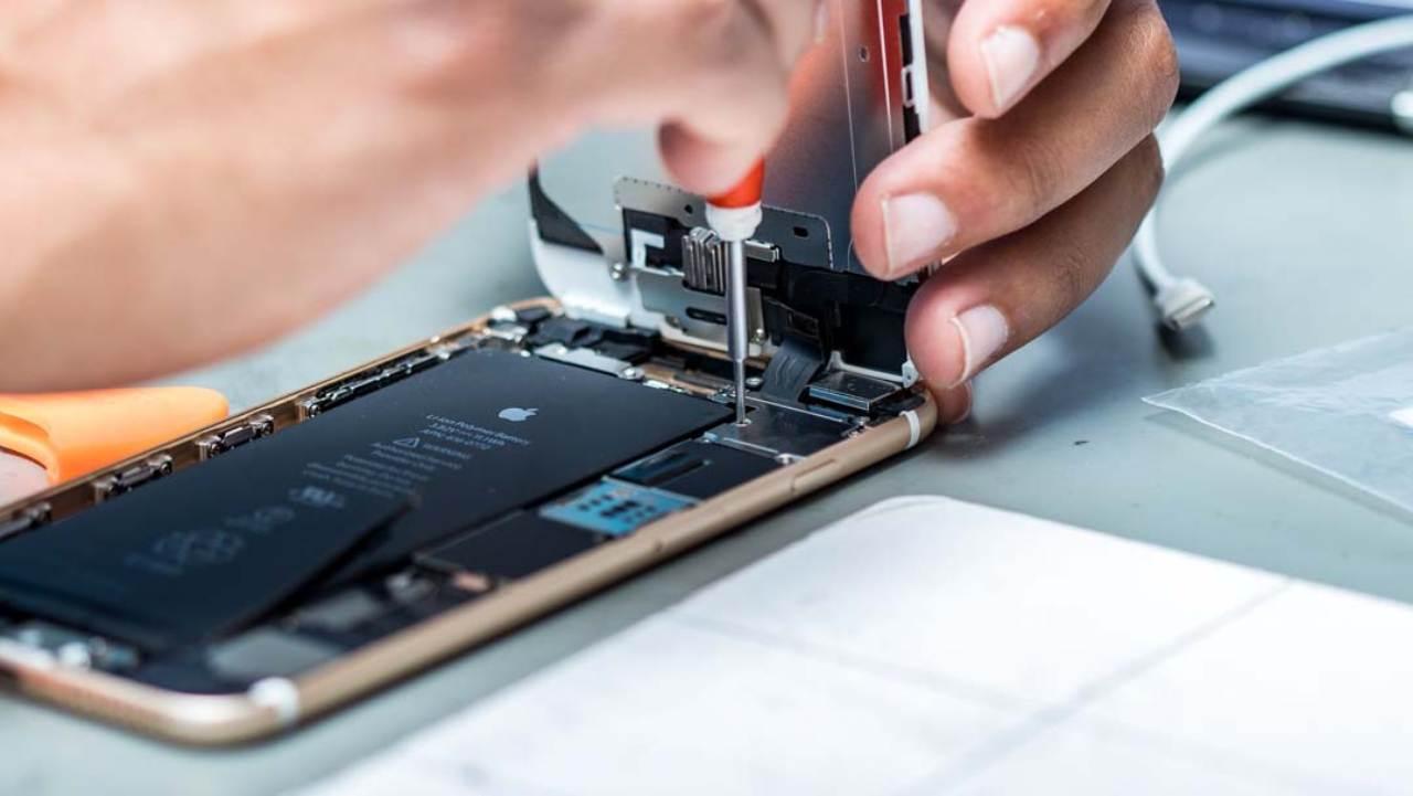 iPhone in assistenza: sorpresa choc (Foto Riparazione-iphonemilano.it)