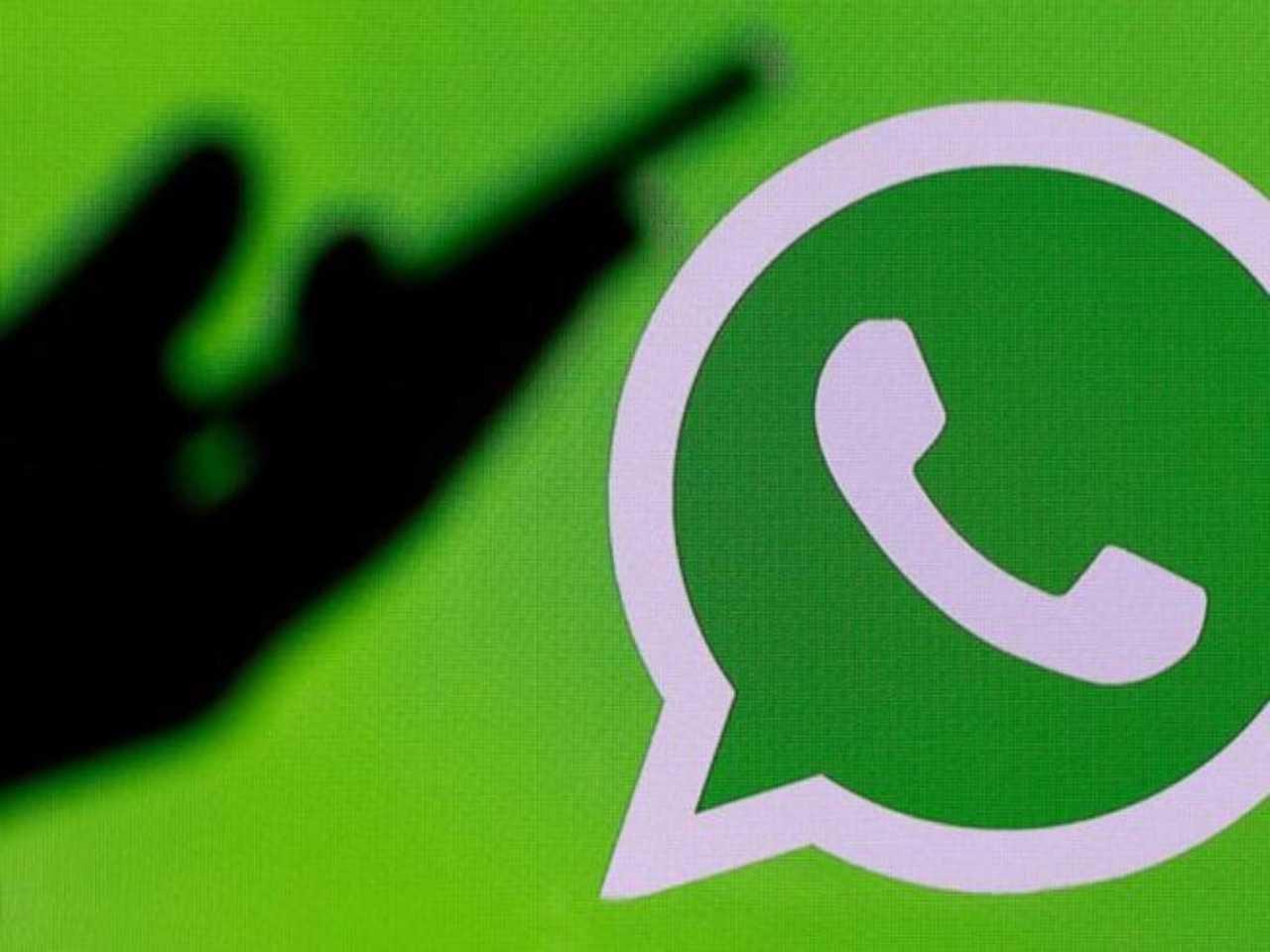 WhatsApp, trucco messaggi vocali (Foto Corriere)
