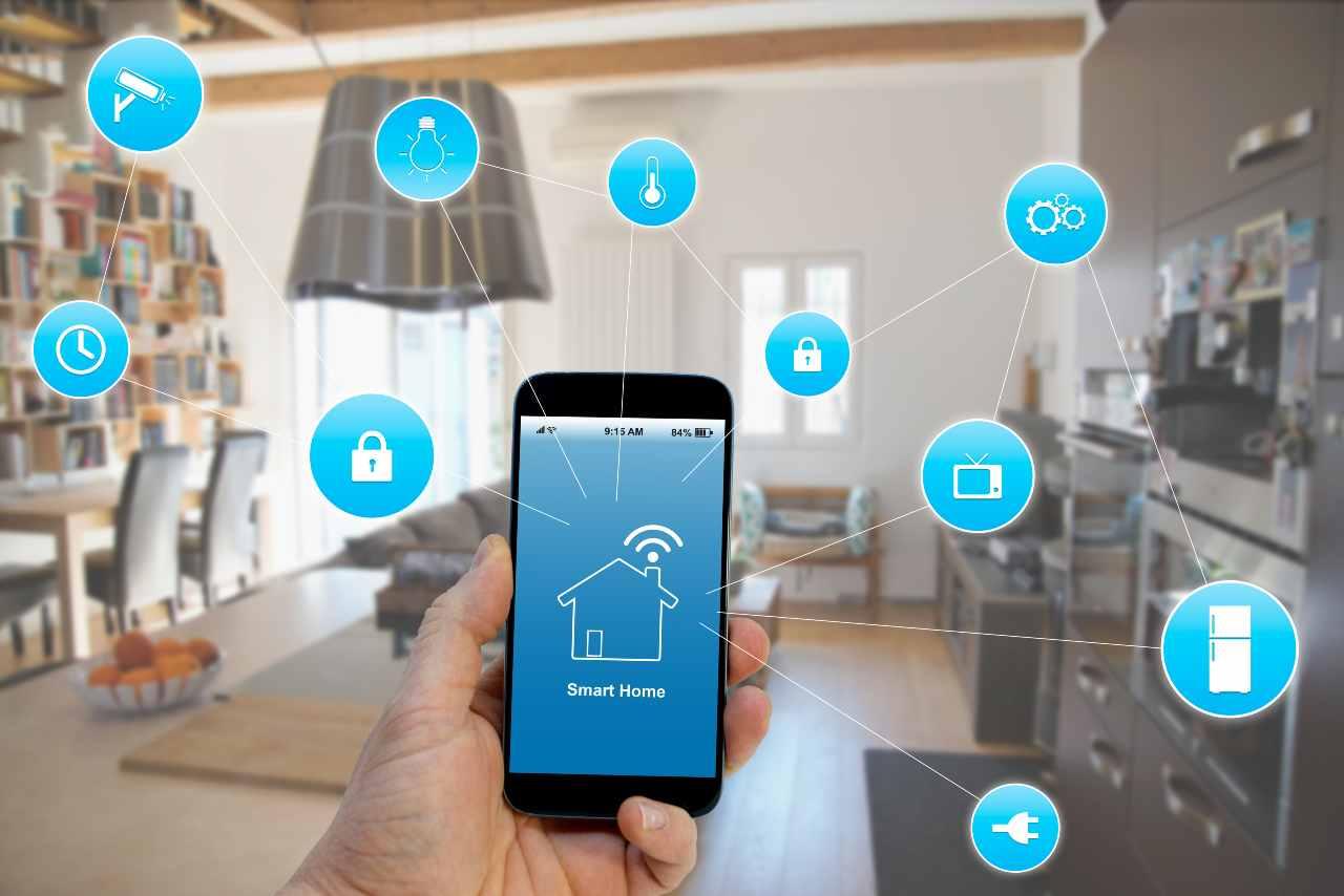 Come avere la casa smart: tutta la tecnologia per connettere l'abitazione (foto Adobestock)