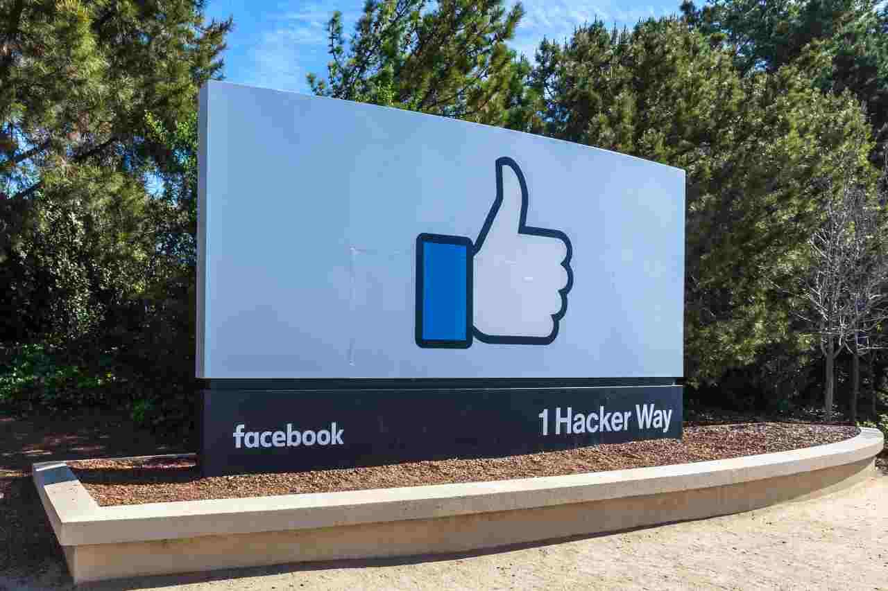 Facebook ancora nei guai (foto Adobestock)