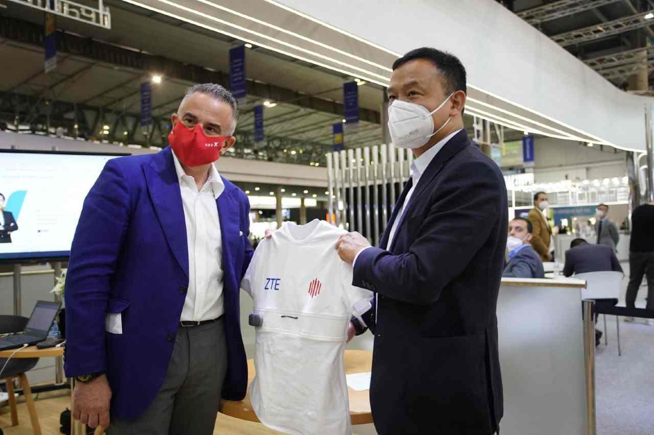 Da Zte la t-shirt intelligente con il 5G (Foto ZTE)