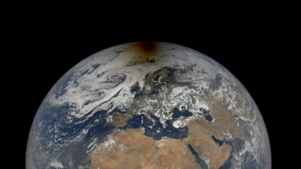 L'ombra dell'eclissi lunare al Polo Nord