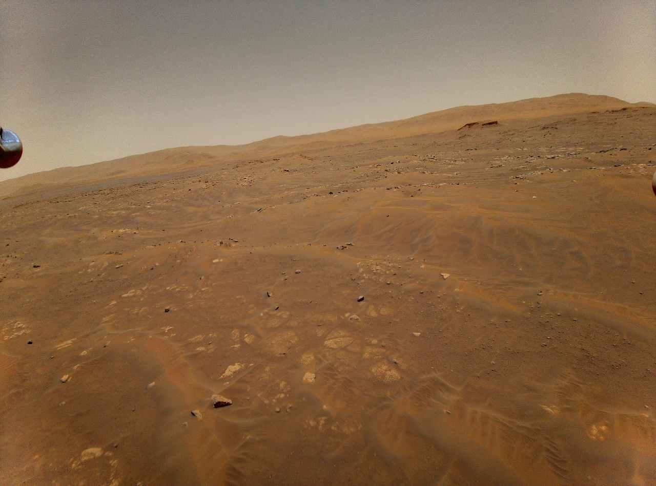 Le immagini di Marte prese dal Rover Ingenuity (Nasa)