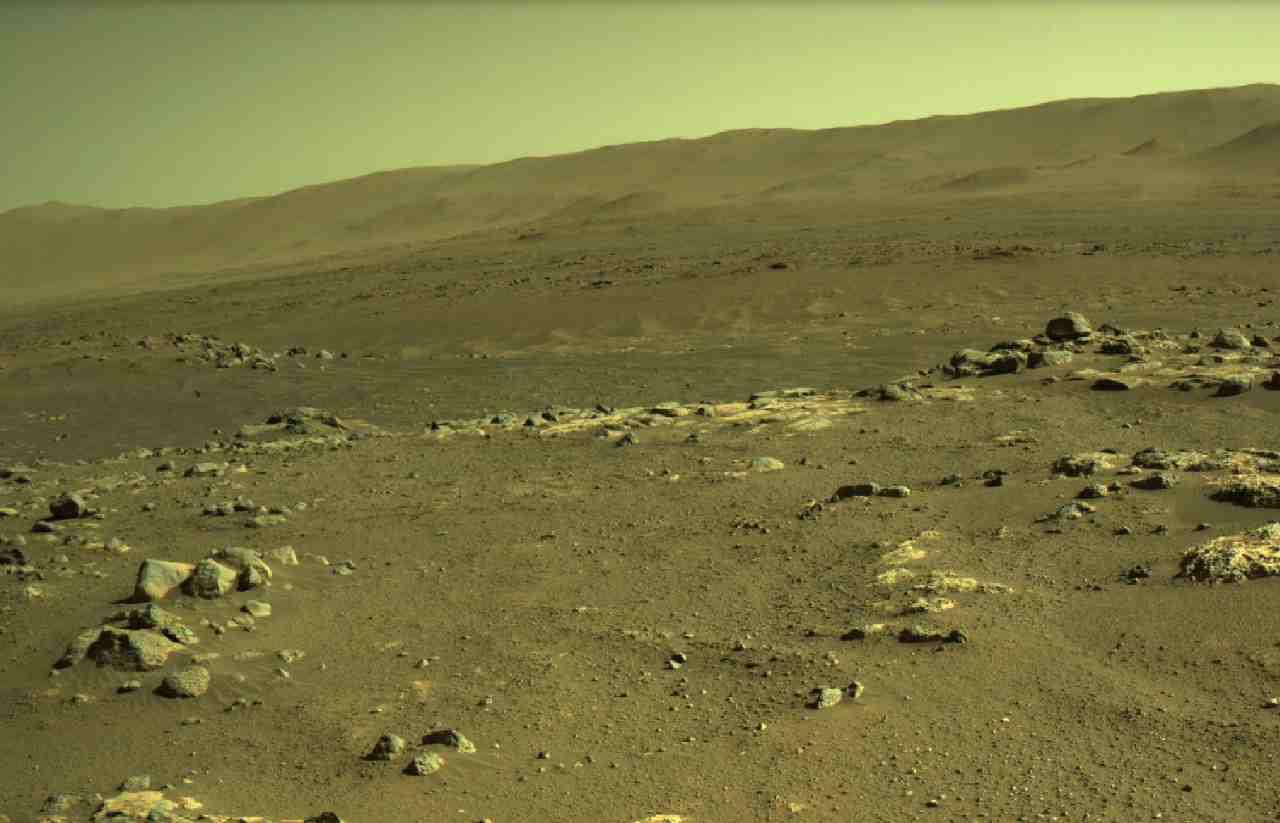 Le foto spettacolari scattate su Marte dal drone Ingenuity (Nasa)