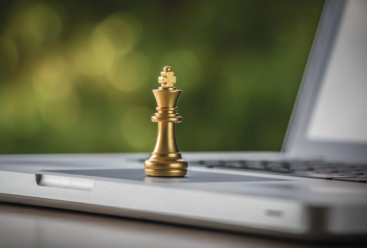 Scacchi online, la nuova frontiera (Adobe Stock)