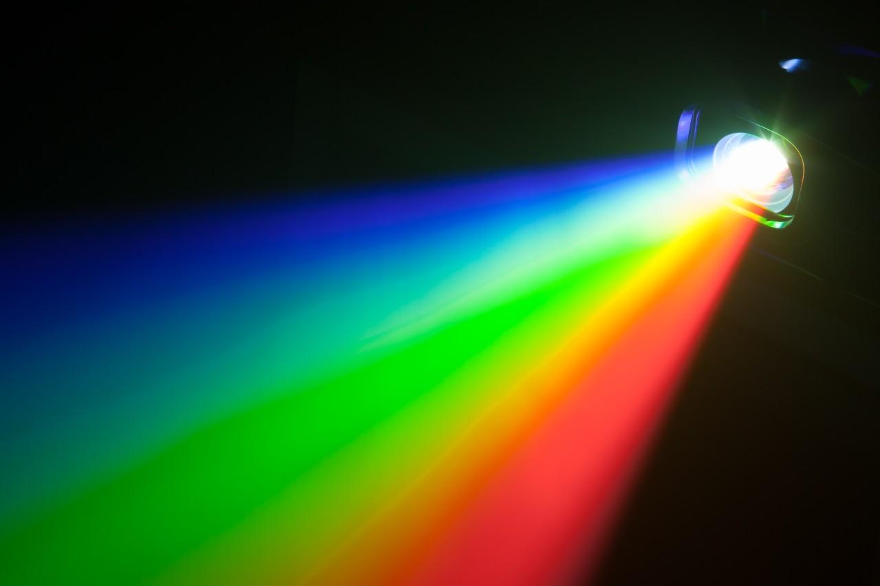 Spettro luminoso (Adobe Stock)