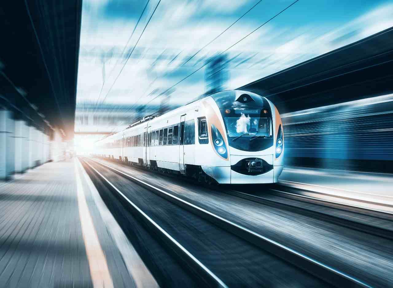 Treno a levitazione magnetica (Adobe Stock)