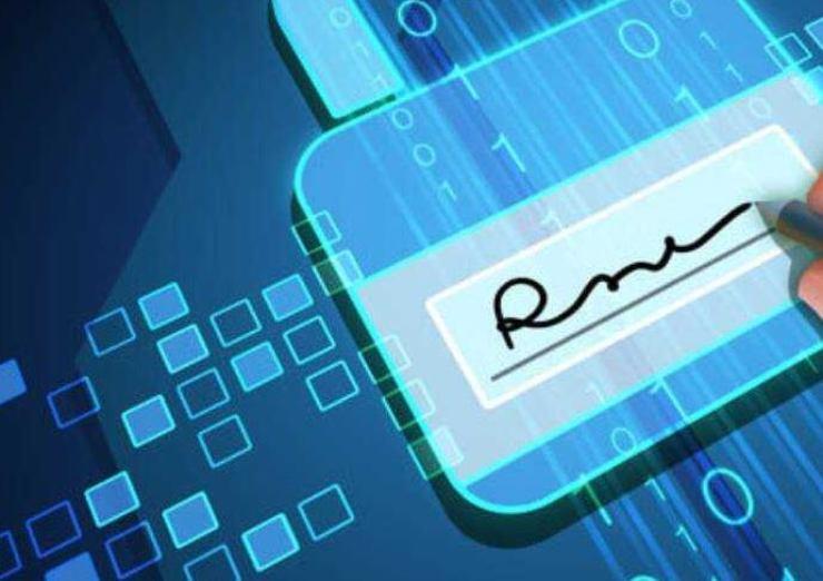 Firma Digitale, vi spieghiamo tutto (Foto Lapressa)