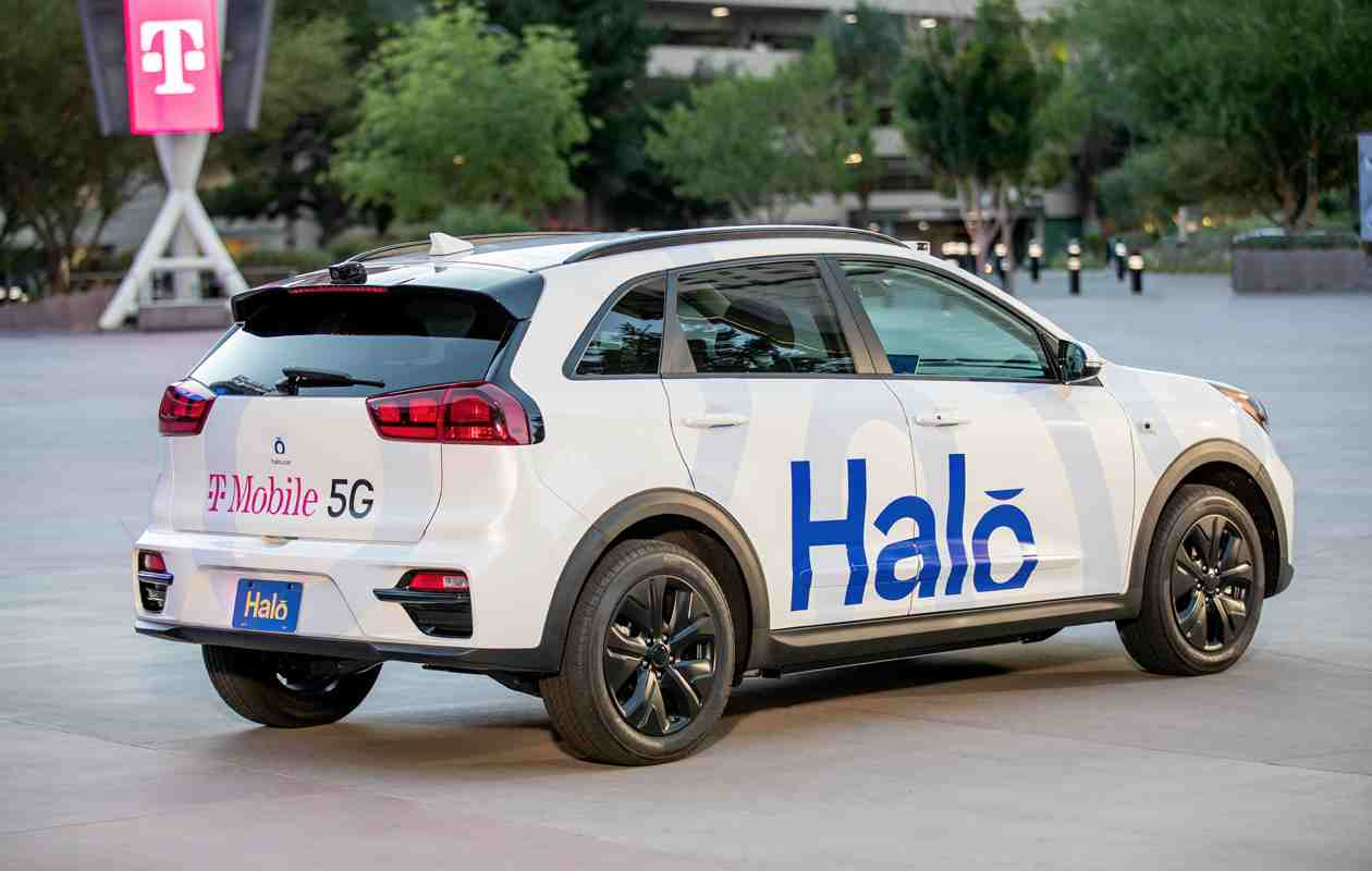 Nasce l'auto a pilotaggio remoto grazie al 5G