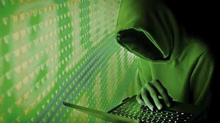 Con la Sim si rubano i dati bancari (Foto LaStampa.it)