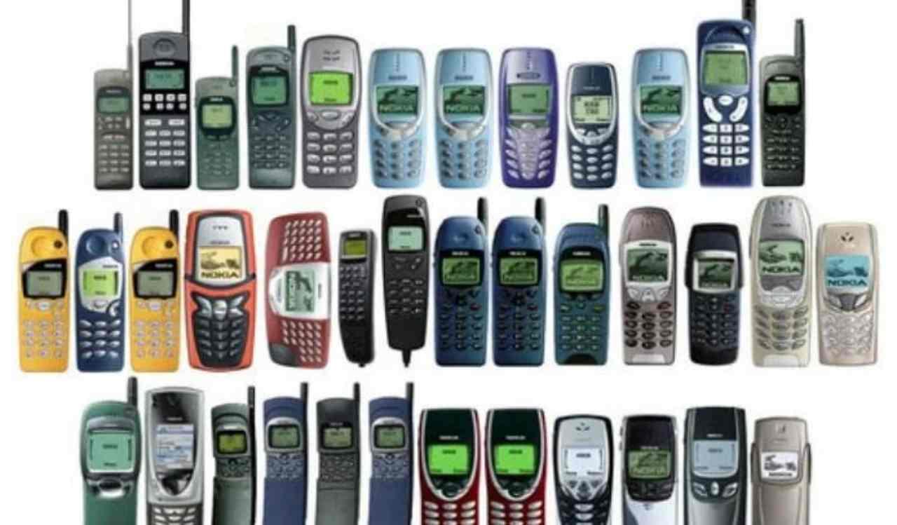 Smartphone vecchio? Ecco come riutilizzarlo (Foto Dire)